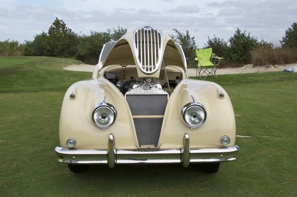 Stillwell_1957_Jaguar_XK140_OTS1