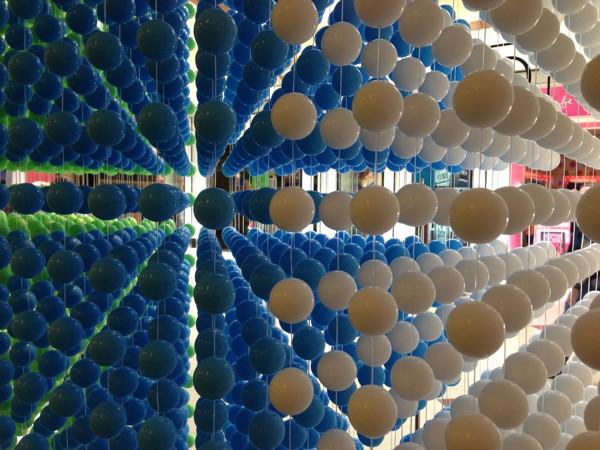 Stillwell_Balls_Blue_White