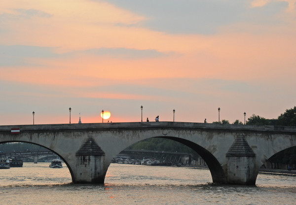 Stillwell_Paris_CrossingSeine_Sunset2