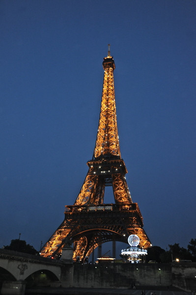Stillwell_Paris_Eiffel_Twr_Carousel_Night1