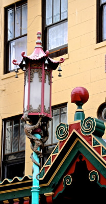 Stillwell_SF_Chinatown_Lamp