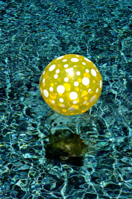 Stillwell_Yellow_Ball2