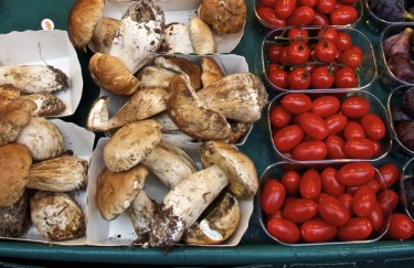 Stillwell_Paris_Marche_Champignon_Tomatoes
