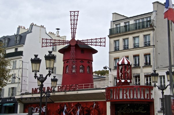 Stillwell_Paris_Moulin_Rouge