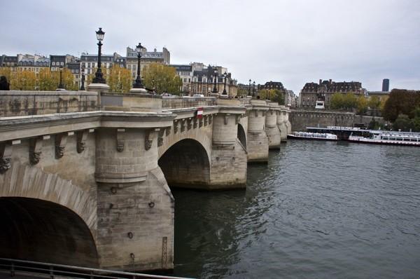 Stillwell_Paris_Pont_Neuf