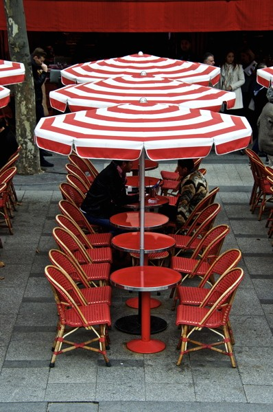 Stillwell_Paris_Red_Tables_Umbrellas_Cafe_2